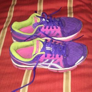 ASICS size 7 perfect condition! Gel-Neo33